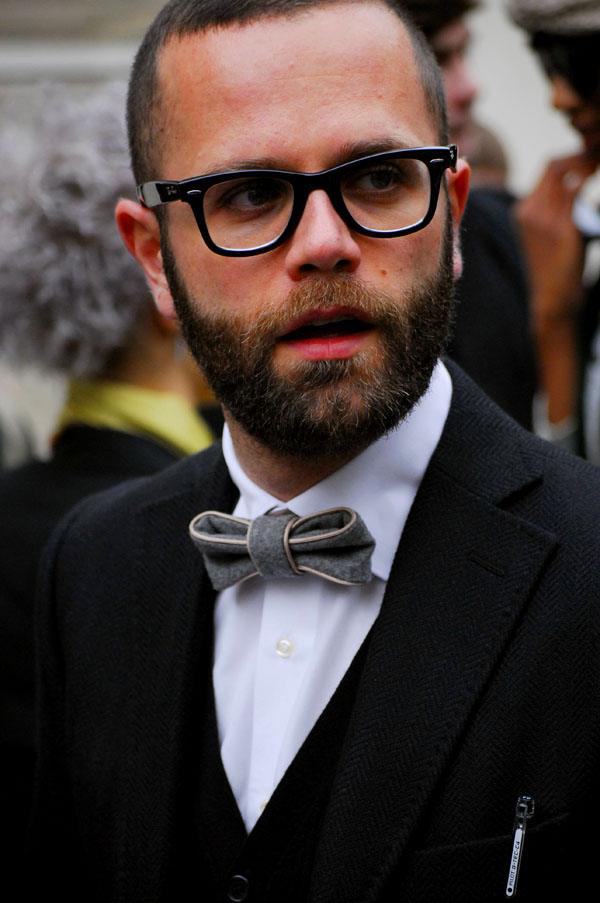 paris-fwaw2009-bow-tie - Growing a beard (steps) - Anonymous Diary Blog