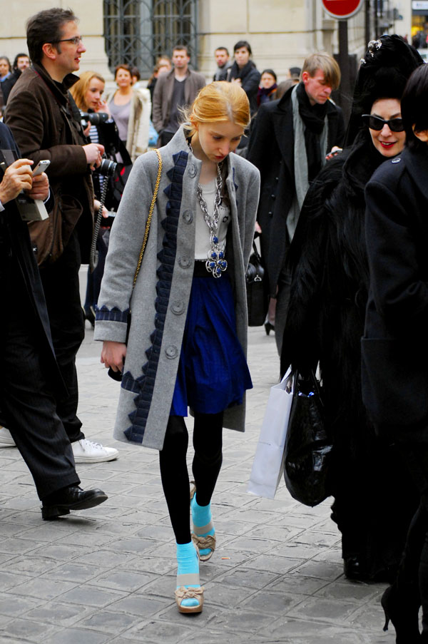 Julia Frakes at paris Fashion Week aw 2009