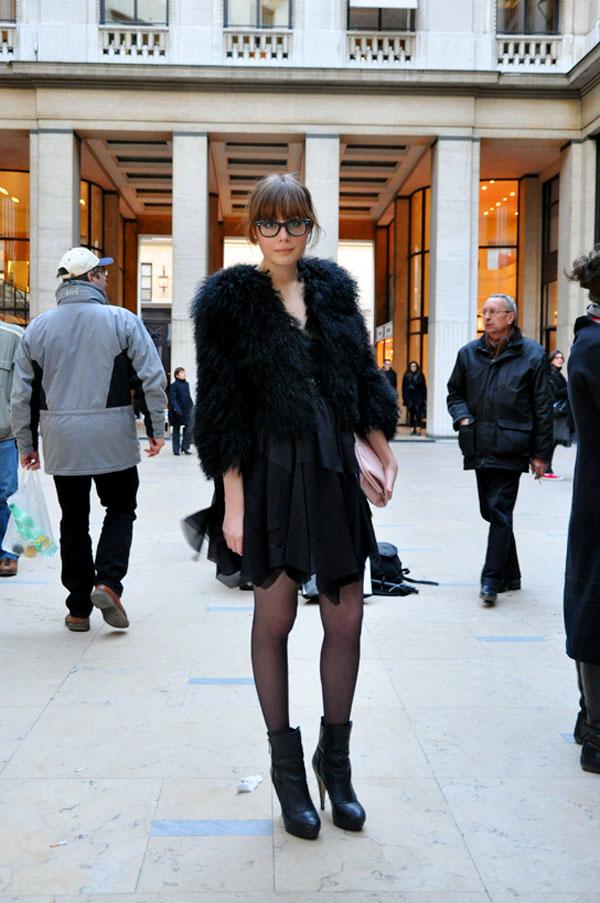 Louise Ebel at Paris Fashion Week 2009